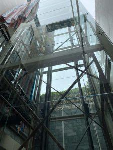 Kỹ sư lắp đặt thang máy
